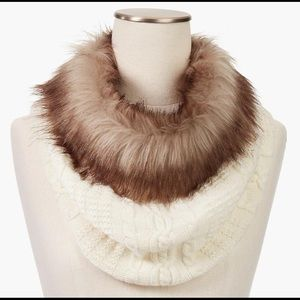 NWT Faux Fur-Trimmed Neck Warmer